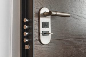 door handle with keyhole